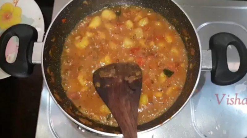 Aloo Capsicum Curry / ಆಲೂ ಕ್ಯಾಪ್ಸಿಕಂ ಸಾಗು ಮಾಡುವ ವಿಧಾನ